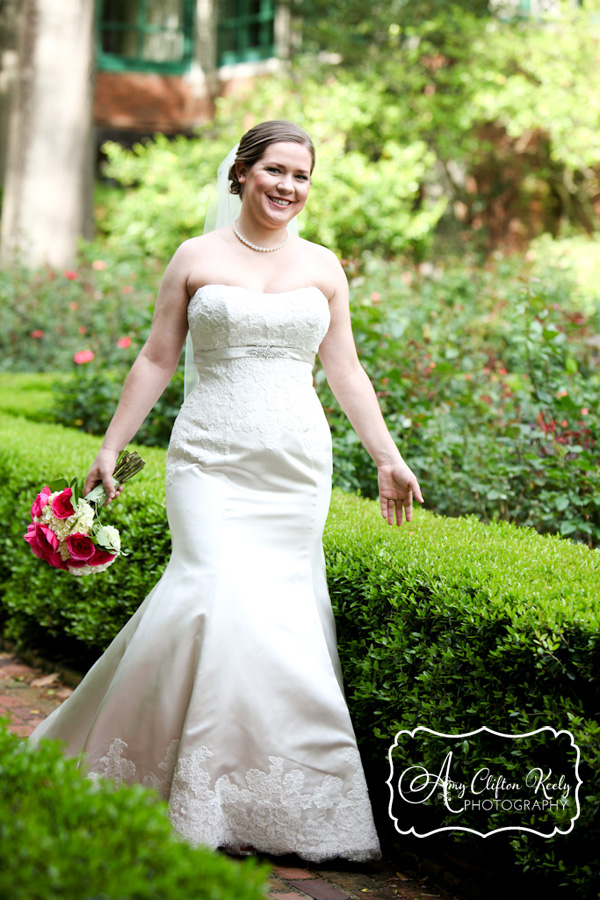 Furman_Bridal_Portrait_Greenville_SC_Outdoors_Twigs_Bouquet_Gazebo_Amy_Clifton_Keely_Photography 04