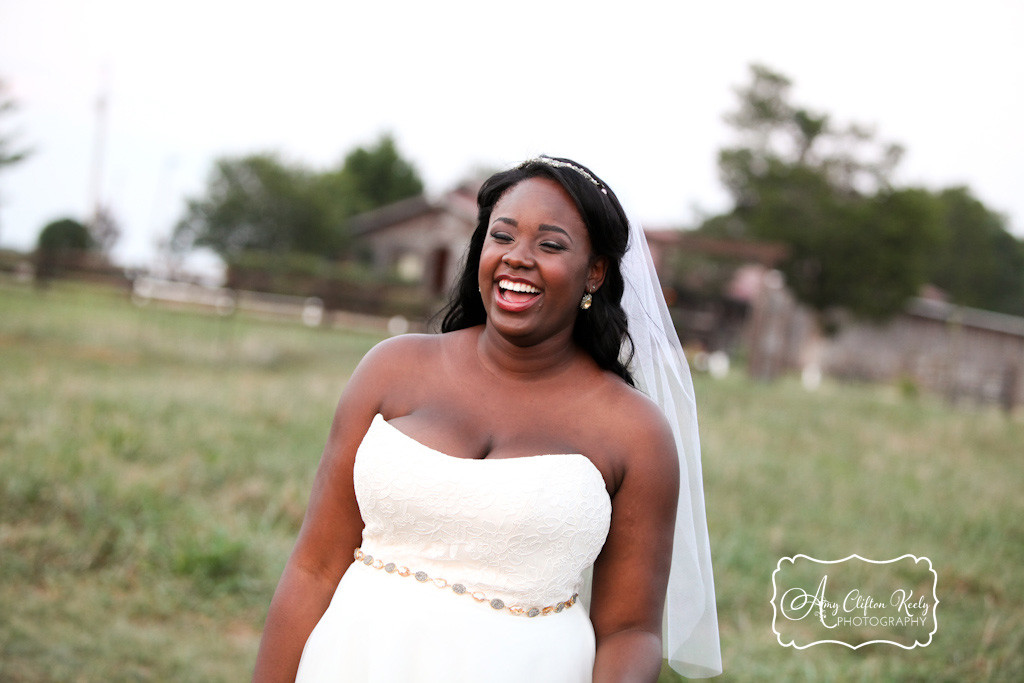 Bridal_Portrait_Lindsey_Plantation_Farm_Field_Barn_Mountains_Sunset_Amy_Clifton_Keely_Photography 26