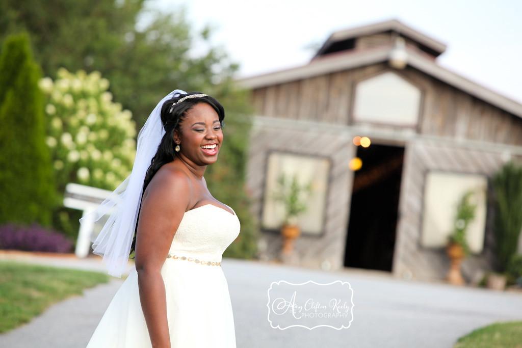 Bridal_Portrait_Lindsey_Plantation_Farm_Field_Barn_Mountains_Sunset_Amy_Clifton_Keely_Photography 09